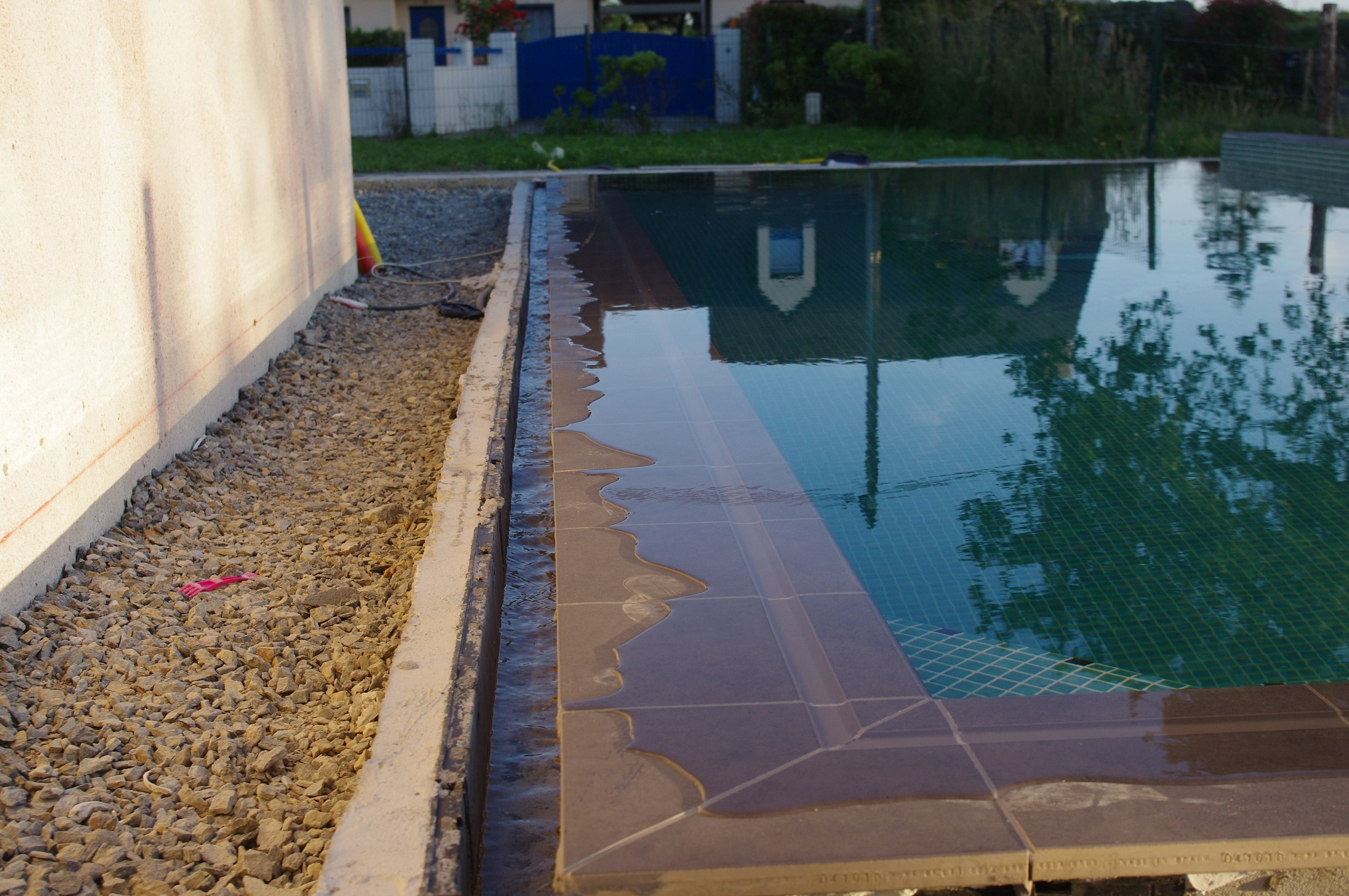Le grand moment la mise en eau for Auto construction piscine
